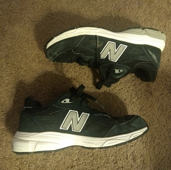 sale retailer 3a6d7 0a370 New Balance 990 Runners Boys 5Y Black White